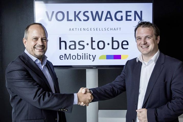 A töltőinfrastruktúra bővítésében működik együtt a Volkswagen és a has•to•be szoftverspecialista