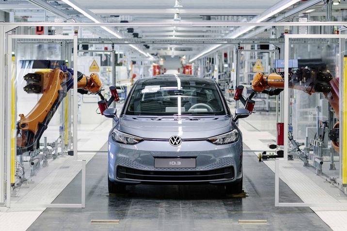 A Volkswagen megkezdi az átállást az e-mobilitásra: Zwickauban megkezdődött az ID.3 gyártása