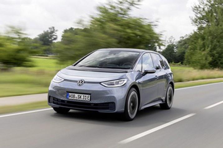 A Volkswagen mintegy 70 000 új ügyfélre tett szert az ID.3 hatalmas népszerűségének köszönhetően a megjelenést követő első évben