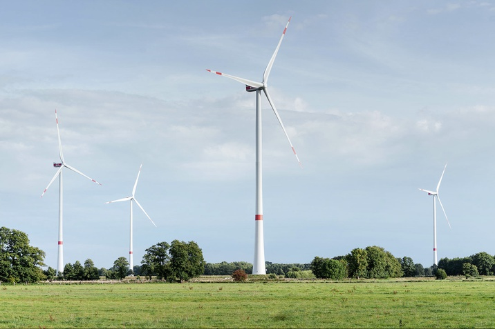 Jelentősen nő az üzemek áramellátásán belül a megújuló energia aránya